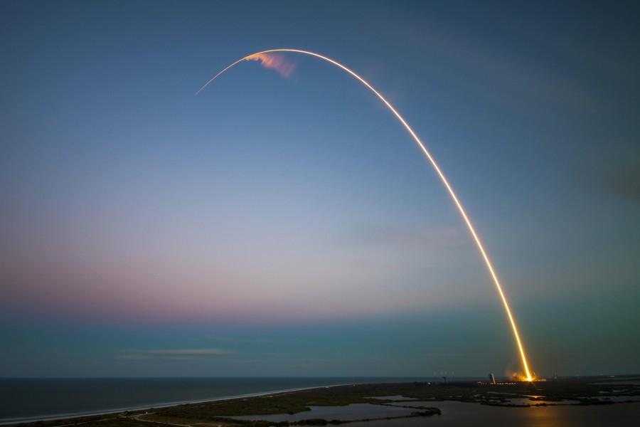 rocket-1245696_1920